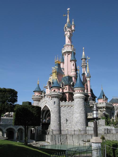 Cinderella's castle, Disneyland Paris