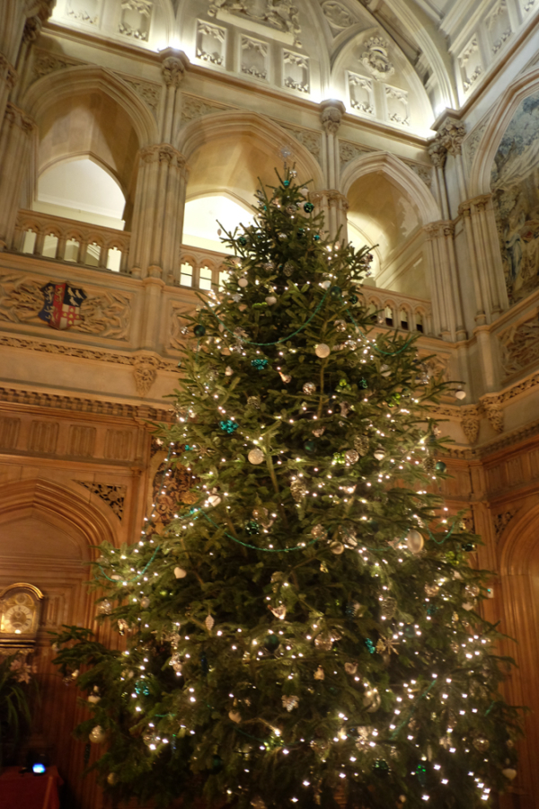 The Memory Bee: December 17 Christmas at Highclere Castle aka ...
